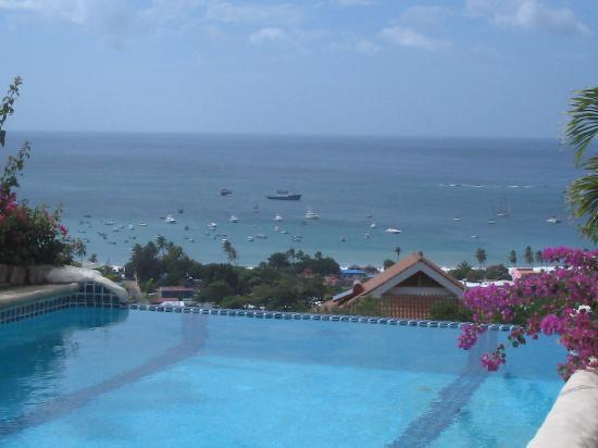 Pelican Eyes Resort & Spa: view from one of the pools
