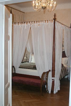Smetana Hotel: king size posterbeds