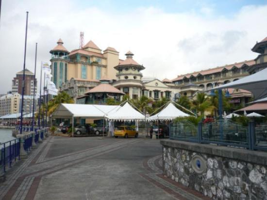 Caudan 39 s waterfront mauritius most happening place for tourist picture of le caudan - Restaurants in port louis mauritius ...