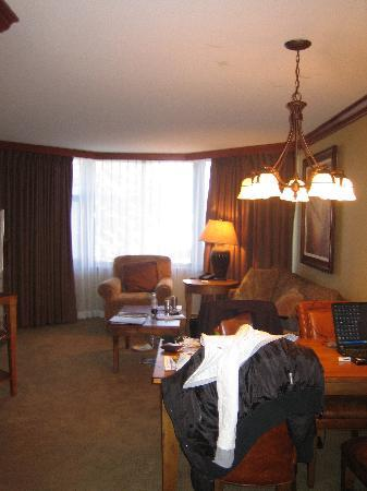 Resort at Squaw Creek: Inside the room from the door (excuse the bags)