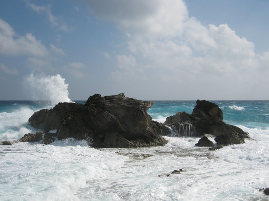 Isla Mujeres, Meksika: Punta Sur - Waves Crashing