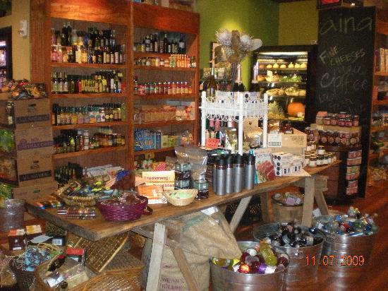 Aina Gourmet Market at Honua Kai Resort: Many Maui-made gifts