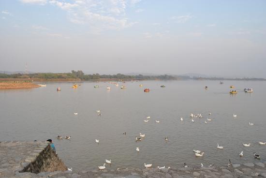 Chandigarh, India: Sukna lake another atraction