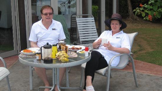Malaqereqere Villas: Breafast - Fijian Style