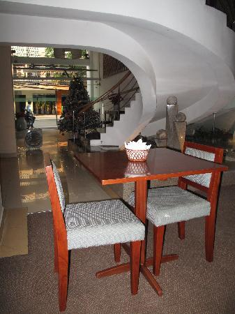 Indochine Hotel: breakfast area at level 1