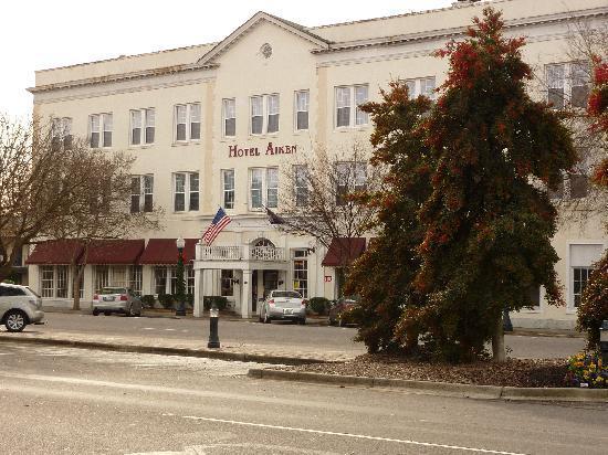Hotel Aiken: Hotel building