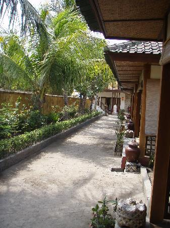 Pesona Resort: street with rooms