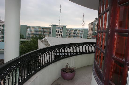 La Suisse Hotel: balcony