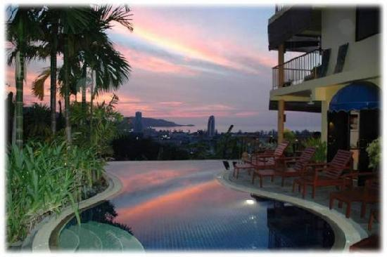 Hilltop Hotel: Swimming pool on Hilltop Hotel