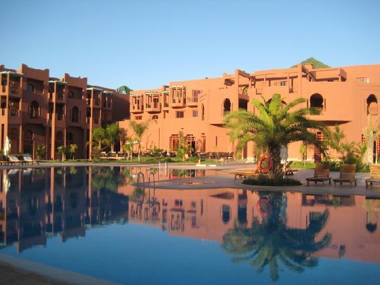 Palm Plaza Marrakech Hotel & Spa : piscina