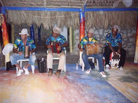 Ristorante Issamar: musiciens sur place