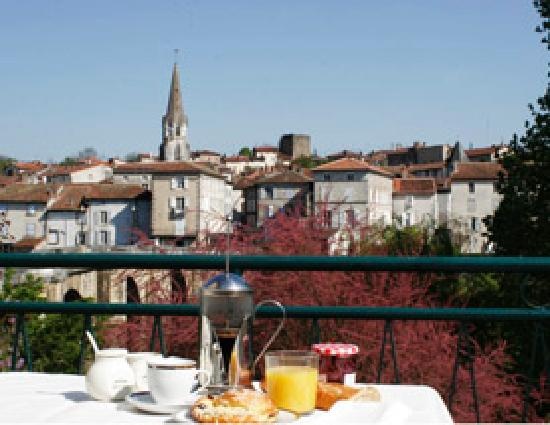 Pont Vieux Chambres d'hotes : Breakfast on our terrace