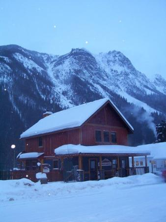 Fireweed Hostel: The hostel in Field (BC), in the Yoho National Park