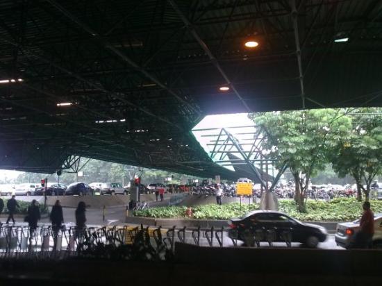 9462c16e3cb61 TripAdvisor - Sao Paolo airport main entrance - صورة ساو باولو ...