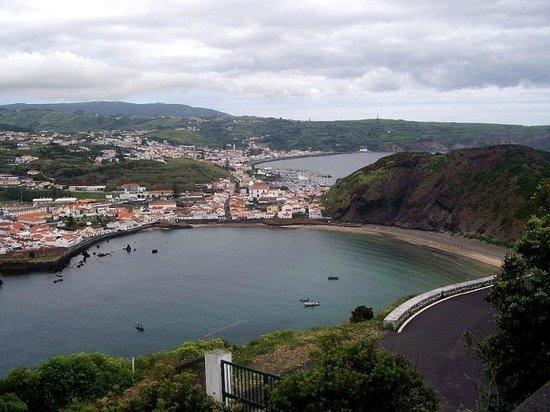 Praia do Porto Pim