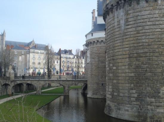Nantes pictures traveller photos of nantes loire - Chambre des notaires loire atlantique ...