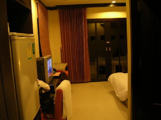 Ao Nang Beach Home: clean room