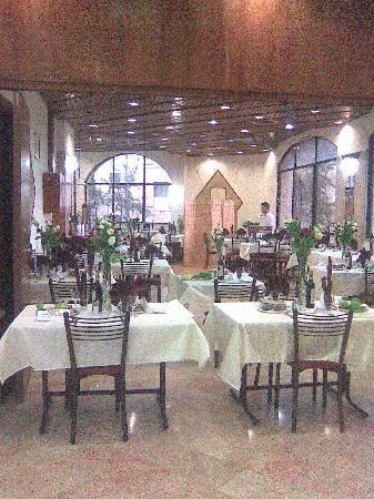 Lev Yerushalayim: dining room