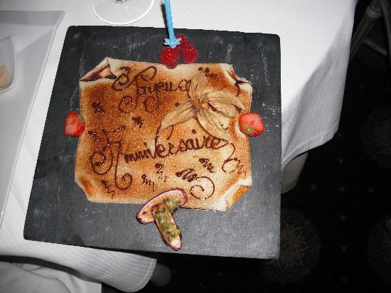 Hotel Atlantic : Wife's birthday cake courtesy of Hotel l'Atlantic