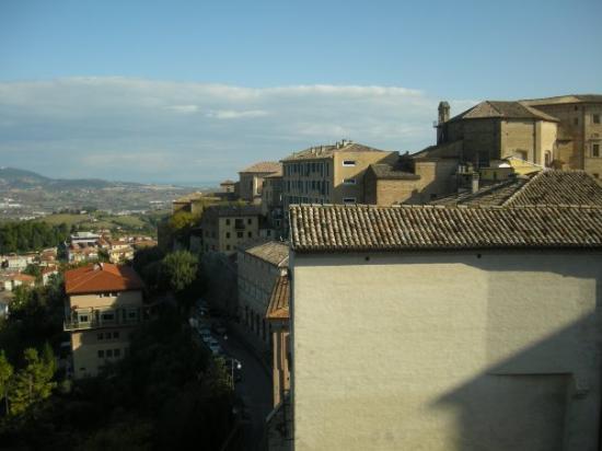 Osimo, Italien: vista desde el balcón del convento