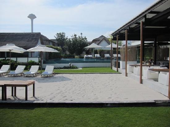 พุทธรักษา รีสอร์ท: Seaside pool