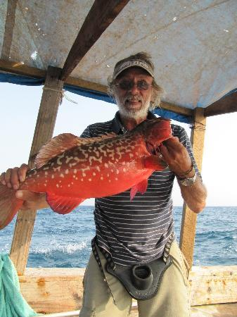 Pangani, Tansania: Mark got a nice snapper