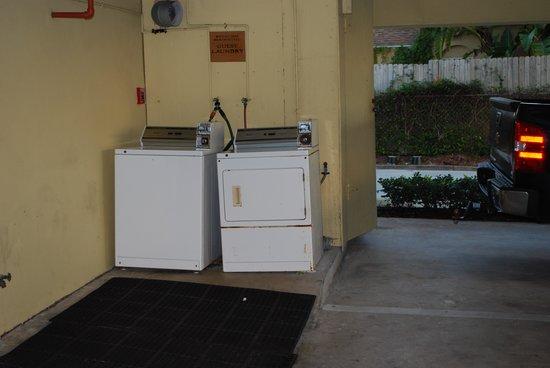 رويال إن بيتش هوتل هاتشينسون أيلاند: Guest Laundry