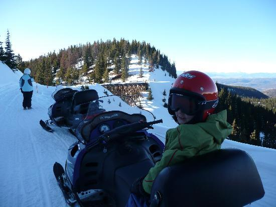 Founders Pointe : Snowmobiling at Winter Park