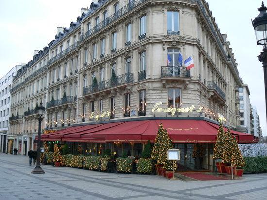 Hôtel Barrière Le Fouquet's Paris : l'emplacement de rêve....les champs Elysées