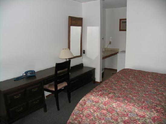 Seven Oakes Motel : Free internet