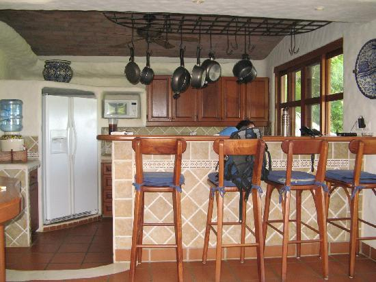 Pelican Eyes Resort and Spa: kitchen in our casita