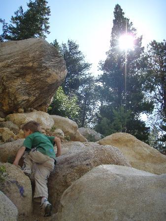 Alluvial Fan: Climbing rocks
