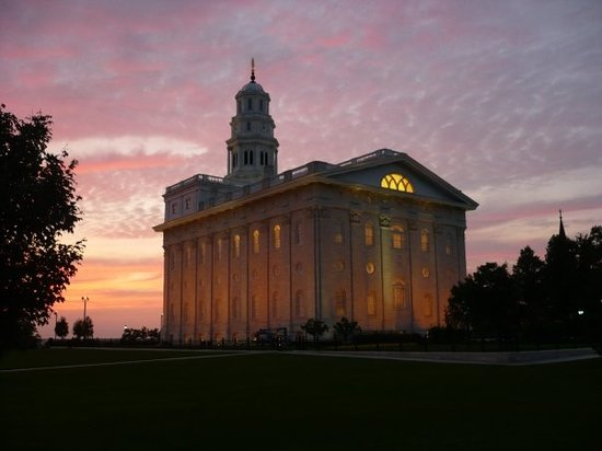 Things To Do in Nauvoo State Park, Restaurants in Nauvoo State Park