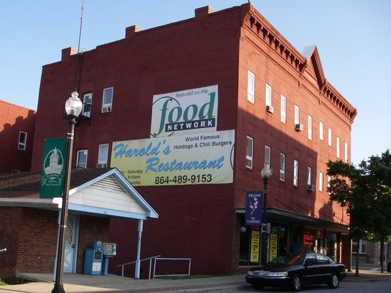 harold's restaurant: Located on Historic Limestone Street, Downtown Gaffney. SC
