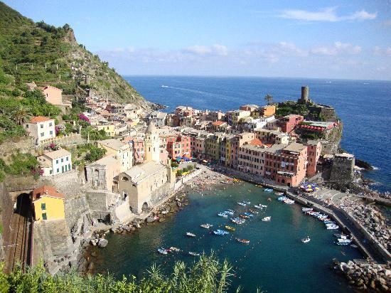 Maria Capellini Rooms: Vernazza by Day