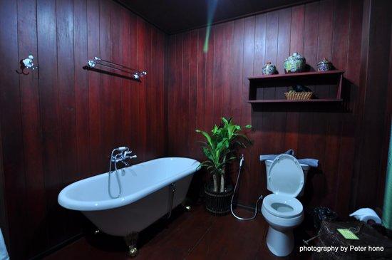 Chang Inn: Trendy Bathroom in VIP room