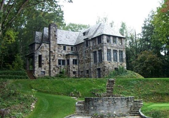 Old mansion at grove park inn asheville nc picture of for Grove park house