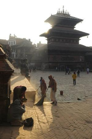 Bhairavnath Temple: 2009-11-20 morning at Taumadhi Square, Bhaktapur