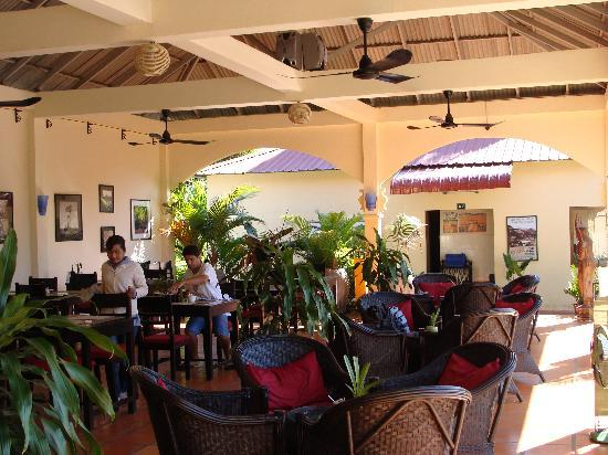 Lotus Lodge: Restaurant