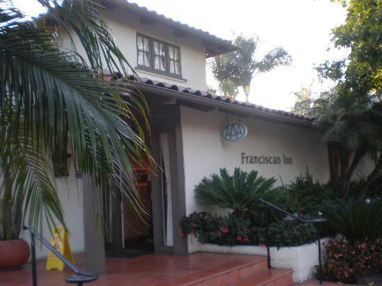 Franciscan Inn & Suites : Exterior - Lobby