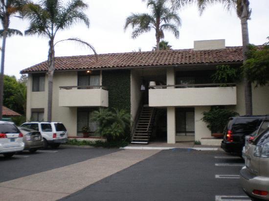 Franciscan Inn & Suites: Exterior - Rooms