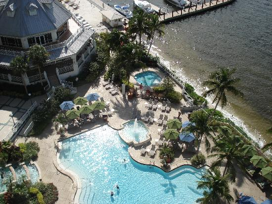 Sanibel Harbour Marriott Resort & Spa: Pool view from our balcony