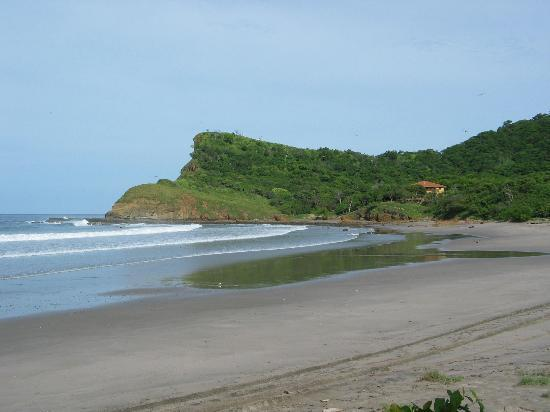 นิการากัว: Beach at Hacienda Iguana-Tola Region