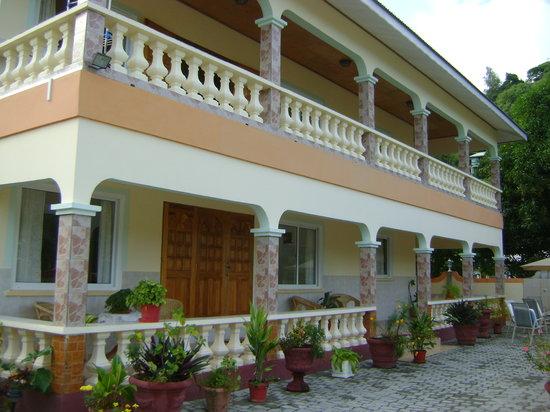 Villa Bananier: il portico