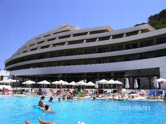 Olympic Palace Resort Hotel & Convention Center: the pool and side of the hotel