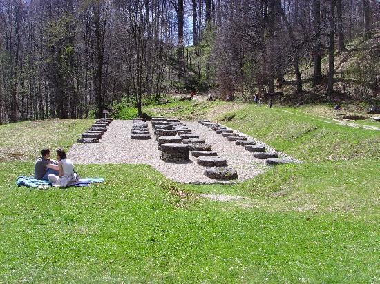 Dacian Fortresses of the Orastie Mountains: sarmisegetusa
