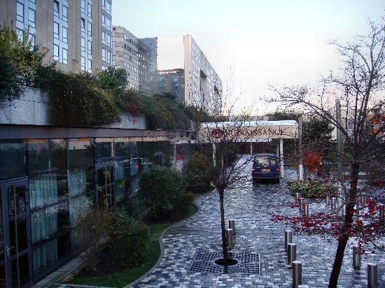 Renaissance hotel la defense paris picture of for 60 jardin de valmy paris