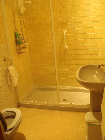 Castallack Farm : bathroom