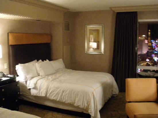 Treasure Island Vegas Smoking Rooms