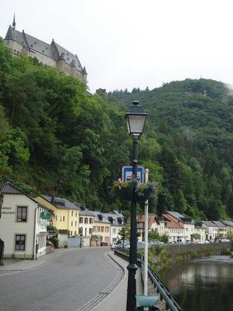 Hotel Heintz: The town, with castle at top